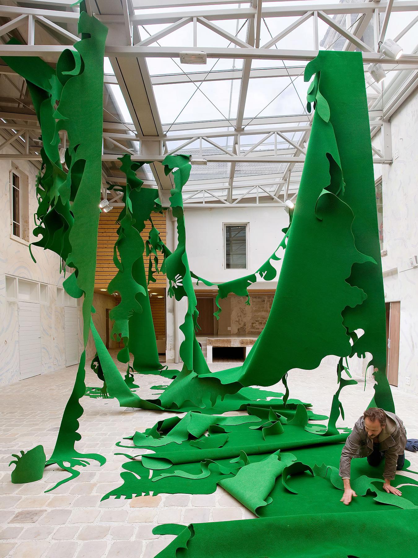 Greenouille Felt cutout © Julien Gardair 2010